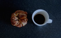 kanelbulle, cinnamon bun, coffee
