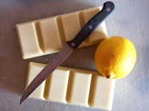 Gino with white chocolate and lemon